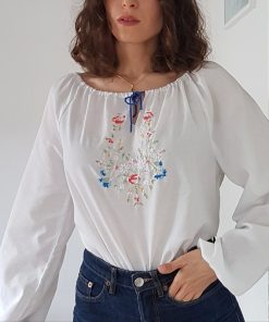 70s blouse with flowers embroideries